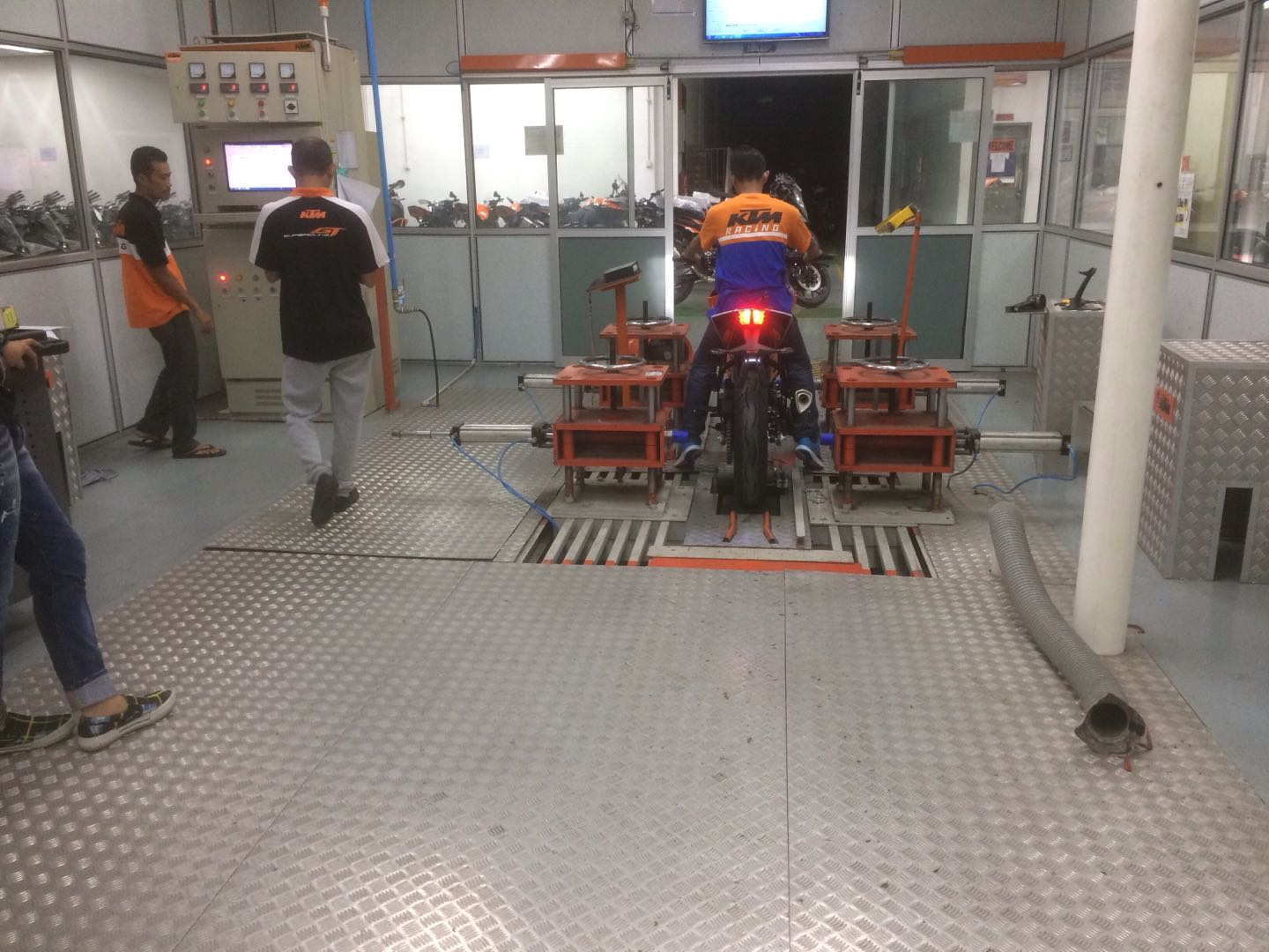 MotorcycleABS test bench